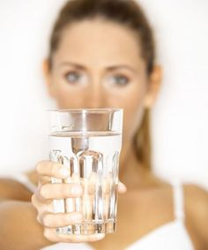 As with the glass of water, in call center work, we have to put some responsibility down for a while and rest before holding it again. Water Facts, Naturopathy, Holistic Nutrition, Stress Management, Center Management, Health Coach, Drinking Water, How To Lose Weight Fast, Body Care