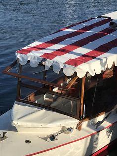 Balade en bateau historique Amsterdam  Canal Boat Delphine historic boat tour Amsterdam