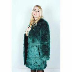 About last night // Molly Bracken blogger event 👌  Check our insta stories for details.   More photos to come 📷 shoot by the best @alixdebeer   #mollybracken #mollybrackenpremium #blogger #bloggerevent #bemolly #fauxfur #coat #gettogetherevent #paris #parisian #france