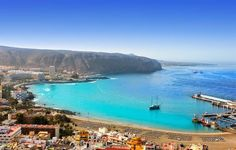 Los cristianos - 9 Cities to Visit on Your Trip to Tenerife Tenerife, Travel Around The World, Around The Worlds, Places To Travel, Places To Visit, Cruise Destinations, Turquoise Water, Island Beach, Canary Islands