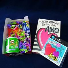 Regalos con Amor ♥ (@tuenvoltorioideal) • Fotos y videos de Instagram Candy, Instagram, Food, Love Gifts, Decorated Boxes, Essen, Meals, Sweets, Candy Bars