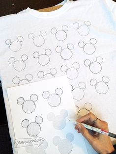 Disney Hidden Mickey T-shirt DIY