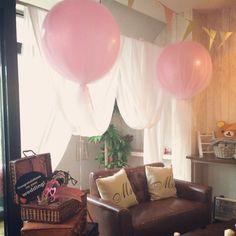 カラフルなだけじゃ、物足りない乙女に朗報!チュール×バルーンで最強ロマンティック♡ふわふわ可愛い、『チュールバルーン』がウェディングにぴったり* Baby Boy Shower, Photo Booth, Balloons, Party, Wedding, Instagram, Home Decor, Valentines Day Weddings, Photo Booths