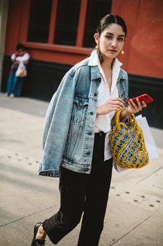 15 x 20 Look Street Style, Street Style 2018, Street Style Blog, Denim Fashion, Look Fashion, Autumn Fashion, Fashion Outfits, Denim On Denim, Fashion Show Themes