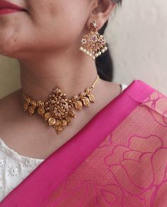 Antique Gold jewelry With Price - - Gold jewelry Fashion Editorial - Rose Gold jewelry DIY Jewelry Design Earrings, Necklace Designs, Gold Jewellery, Jewelry Necklaces, Gold Necklace, Indian Bridal Jewelry Sets, Indian Jewelry, Antique Jewellery Designs, Gold Jewelry Simple