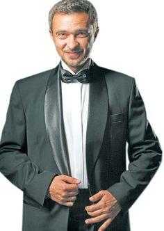 Ярослав НУДИК: «Хтозна, може, ще колись вистрелю в амплуа актора…». До 20-річчя «Піккардійської терції» «Високий Замок» продовжує публікувати серію відвертих інтерв'ю-портретів із учасниками легендарної вокальної формації. Цього тижня – «Гостем» «ВЗ» став один із лідерів гурту Ярослав Нудик (на фото) – вокаліст, який два десятиліття тому відіграв головну роль у нехитрому тенісному парі: бути «Терції» чи не бути?.. #WZ #Львів #Lviv #Новини #Інтерв'ю  #Пікардійська_терція