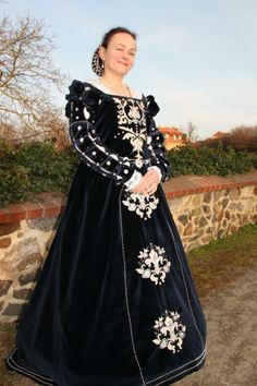 Mein italienisches Renaissancekleid, nach einem Schnittmuster von RH - Eleonore von Toledos Wardrobe.   My italien gown.   The Diary on: www.blaue-rose-naehatelier.de