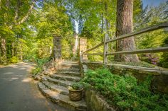 Steps leading to the inner courtyard off Glenwalden Circle.