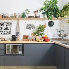 """1,000 curtidas, 7 comentários - Histórias de Casa (@historiasdecasa) no Instagram: """"ei, tem post novo no blog hoje!!! nos apaixonamos pelo apartamento da Nina Levy, do…"""""""