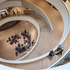 387 Blavatnik School of Government. The central Forum connecting all levels of program with an open spiraling atrium. ©BSG