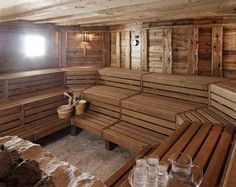 22 Sauna Ideas with Soothing Nuances that You Can Try - TopDesignIdeas Hot Tub Time Machine, Outdoor Sauna, Sauna Design, Finnish Sauna, Steam Sauna, Sauna Room, Steam Room, Saunas, Wellness