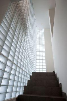 Osoppo   Galería Galerìa   Seves glassblock - PEGASUS                                                                                                                                                                                 Más