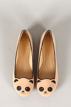 Bamboo Lula-80 Embroidered Panda Face Round Toe Loafer Flat (Size 8, hint hint!)