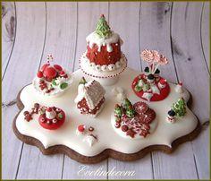 Ciliegina miniatura cibo sul biscotto: tavolo da dessert di Natale ❤️
