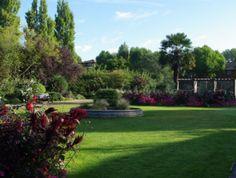 Formal area in Kensington Memorial Park.