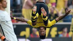 3:1 Sieg gegen Hertha BSC: Borussia Dortmund schießt sich an die Spitze http://www.bild.de/sport/fussball/borussia-dortmund/schiesst-bayern-von-der-spitze-42386092.bild.html