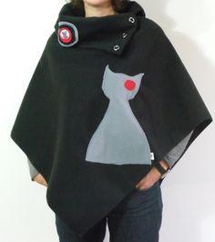Poncho chic en polaire motif chat noir et gris