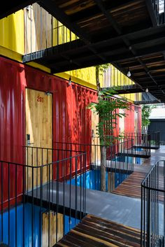 Image 18 of 39 from gallery of Ccasa Hostel / TAK architects. Photograph by Quang Tran Container Architecture, Container Buildings, Sustainable Architecture, Architecture Design, Ancient Architecture, Landscape Architecture, Classical Architecture, Container Hotel, Building A Container Home