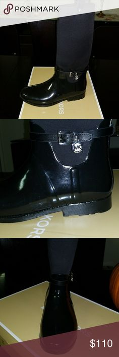 Michael Kors rain boots Black Michael Kors rain boots. Just used once to grocery store and thought they were too hot since I am from South Texas. Almost new. Perfect condition. Very comfortable and light. Michael Kors Shoes Winter & Rain Boots