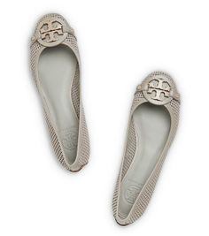 cute perforated ballet flats http://rstyle.me/n/i59adr9te