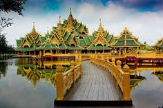 Ancient City (Muang Boran) Located in the heart of Bangkok, the Sheraton Grande Sukhumvit