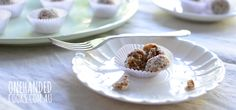 Apricot Coconut Muesli Balls - One Handed Cooks Healthy Snack Options, Healthy Meals For Kids, Kids Meals, Healthy Snacks, Healthy Cooking, Healthy Eating, Lunch Box Recipes, Baby Food Recipes, Baking Recipes