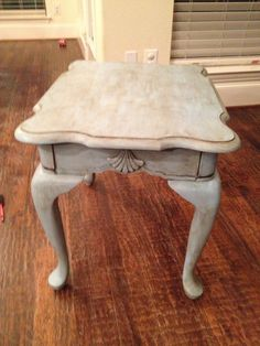 Queen Anne End Table Redo With Chalk Paint And Dark Wax(Annie Sloan) Https