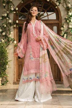 Lust auf Maria b Lawn Master Copy 2019 - Floral dress - Damenmode New Pakistani Dresses, Pakistani Dress Design, Indian Dresses, Indian Outfits, Eid Dresses, Satin Dresses, Stylish Dress Designs, Stylish Dresses, Casual Dresses