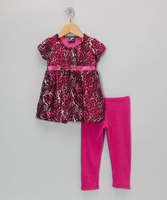 Make dressing for the day a fuss-free affair with this conveniently coordinated set. Complete with an adorable animal-print tunic and matching leggings, it's a fun-loving look for little ones on the go.
