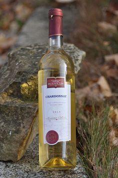 Bílé víno - Chardonnay Pozdní sběr - Vinum Moravicum a.s. Bottle, Rose, Pink, Flask, Roses, Jars