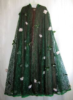 PREVIOUS PINNER: There is some really great material at Joann's that if dyed green would make a GORGEOUS forest cloak!! Maybe with the addition of a opalescent green shimmer material underneath!