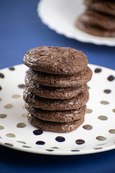 BEST Keto Cookies! Low Carb Keto Chocolate Fudge Brownie Cookies Idea – Quick & Easy Ketogenic Diet Recipe – Completely Keto Friendly Chocolate Brownie Cookies, Keto Chocolate Cake, Low Carb Chocolate, Chocolate Desserts, Mint Chocolate, Chocolate Chips, Keto Desserts, Easy Desserts, Diabetic Deserts