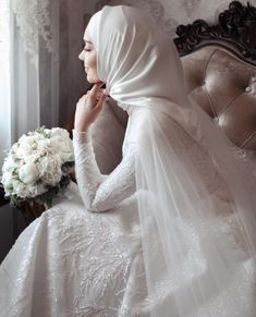 Muslim Wedding Gown, Hijabi Wedding, Wedding Hijab Styles, Muslimah Wedding Dress, Muslim Wedding Dresses, Evening Dresses For Weddings, Luxury Wedding Dress, Dream Wedding Dresses, Muslim Brides
