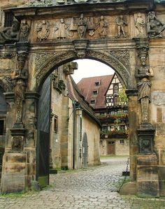 Nice to meet you.. : © Larry Myhre Bamberg(Germany) medieval entrance