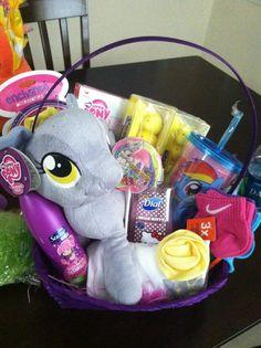My Little Pony Easter basket Kids Gift Baskets, Easter Baskets, Little Girl Toys, Toys For Girls, My Little Pony Comic, Disney Plush, Egg Hunt, Happy Easter, Diy Gifts