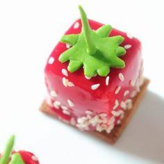 Petits gateaux Archives - Page 2 sur 2 - Olivia Pâtisse Eclairs, Chocolate Salami Recipe, Chocolate Cake, Dacquoise, Matcha Dessert, Paris Brest, Fancy Desserts, Fondant Toppers, French Pastries