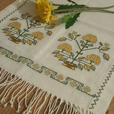Bargello, Cross Stitch Patterns, Diy And Crafts, Istanbul, Elsa, Vintage, Instagram, Cross Stitch, Pattern