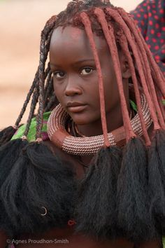 afrikanische frauen Himba by Agns Proudhon Smith on what a beautiful girl African Nations, African Tribes, African Braids, African Girl, African Beauty, African Women, African Image, Beautiful Black Women, Beautiful People