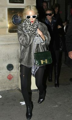 The Many Bags of The Olsen Twins, vintage Hermes Constance in green crocodile. It Bag, Ripped Tights, Black Tights, Mary Kate Ashley, Mary Kate Olsen, Hermes Constance Bag, Olsen Fashion, Olsen Twins Style, Grey Fur Coat