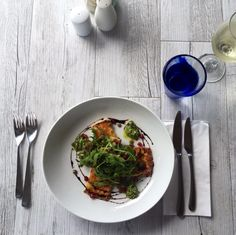 Grillede Haloumi w Avocado, Pomegranate & Rocket Kids Menu, Bar Grill, Prawn, Japchae, Pomegranate, Seafood, Grilling, Avocado, Restaurant