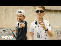 Marcus & Martinus - Elektrisk (Official Music Video) ft. Katastrofe - YouTube Spotify Music Videos, Music Songs, Love Songs, Itunes, Mens Sunglasses, Celebrities, Youtube, Baby Car, Fashion