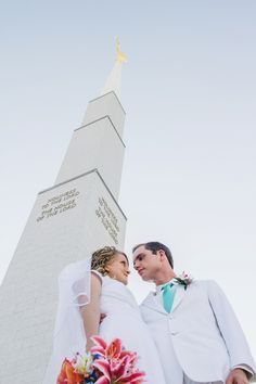 bride, groom, groomals, bridals, romantic pose ideas, sweet, wedding inspiration, lds, temple, mormon, boise temple