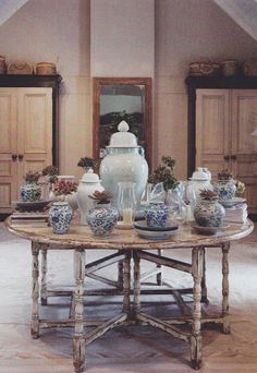 Charlotte Daneel of La Grange Interiors - Franschhoek, South Africa African Interior, Colonial Style Homes, Interior Design Boards, Blue China, French Country Style, African Design, White Decor, Furniture Projects, White Porcelain