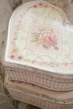 Jennelise Rose Treasure Box in a Heart Shape