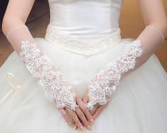WHITE/ IVORY LACE SATIN BOW BRIDES WEDDING PARTY TULLE NET ELBOW GLOVES