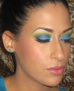 Blue & Lime Green http://www.makeupbee.com/look.php?look_id=79116