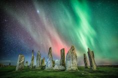 """""""Aurora Borealis over The Standing Stones of Callanish Photo by Colin Cameron"""" Clear Night Sky, Starry Night Sky, Night Skies, Aurora Borealis, Beautiful Sky, Beautiful World, Photo Ciel, Ciel Nocturne, Night Sky Photos"""