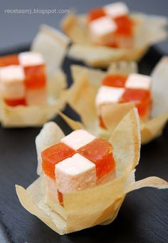 Everyone deserves a perfect world! Appetizer Buffet, Appetizers, Snacks Für Party, Food Decoration, Food Design, Sweet Recipes, Catering, Food Porn, Food And Drink
