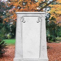 Klassischer Grabstein »Chopin« aus weißem Marmor • Qualität & Service direkt vom Bildhauer • Jetzt Grabstein online kaufen bei ▷ Serafinum.de