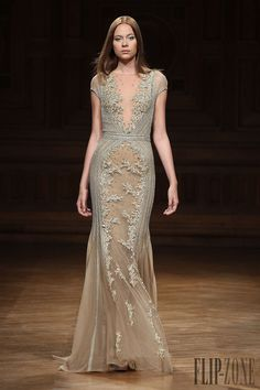 Tony Ward Otoño-Invierno 2014-2015 - Alta Costura - http://es.flip-zone.com/fashion/couture-1/independant-designers/tony-ward-4807